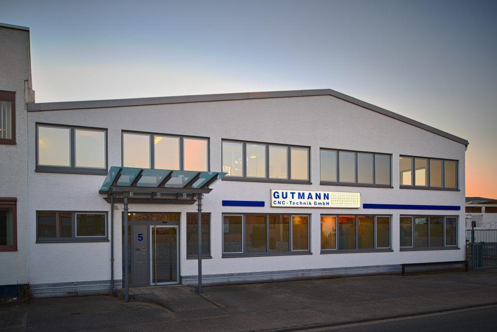 Firmengebäude Gutmann CNC-Technik GmbH, 63477 Maintal, 27.03.2017 (c) Team Uwe Nölke | Fotografie & Film für Menschen & Unternehmen, D-61476 Kronberg, Brunnenweg 21, T +49 6173 321413, look@team-uwe-noelke.de, www.team-uwe-noelke.de